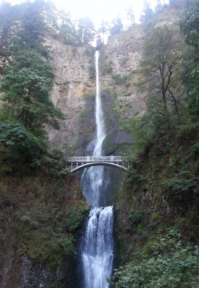 Hubby and I stopped by Multnomah Falls on our way back from the Rose City Comicon in Portland last month. So pretty!